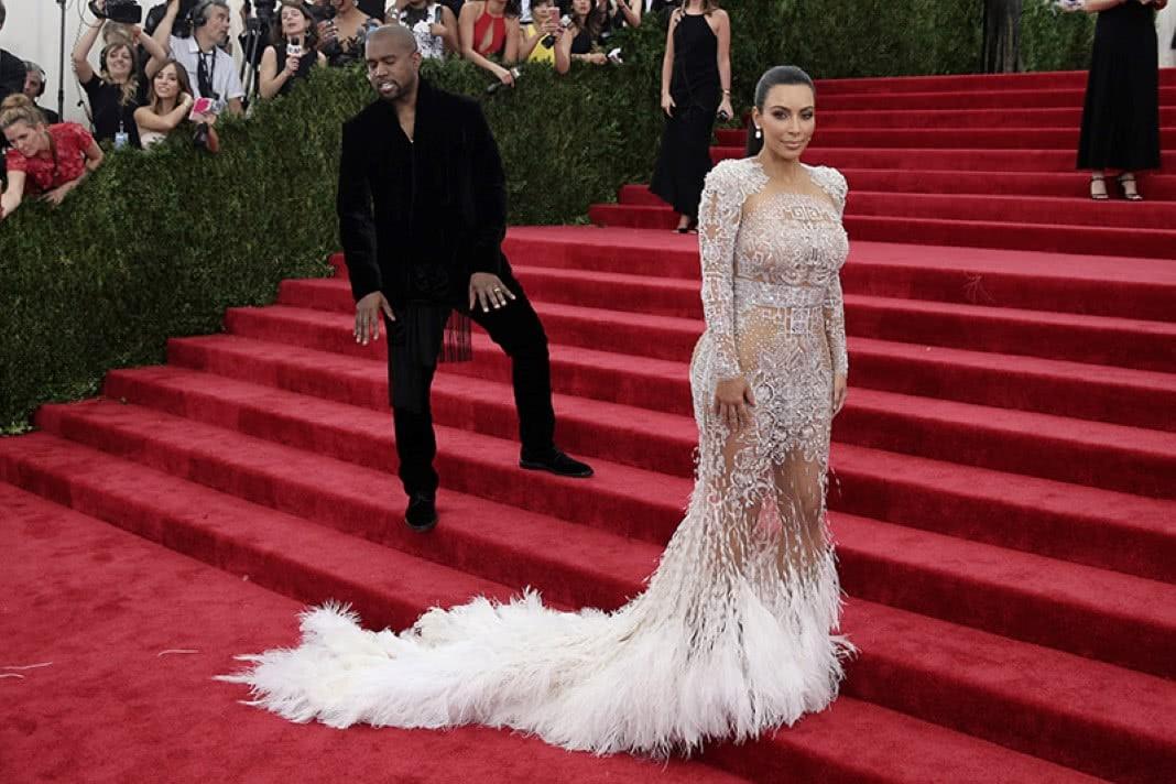 Que roupas uma mulher deve evitar usar depois dos 40