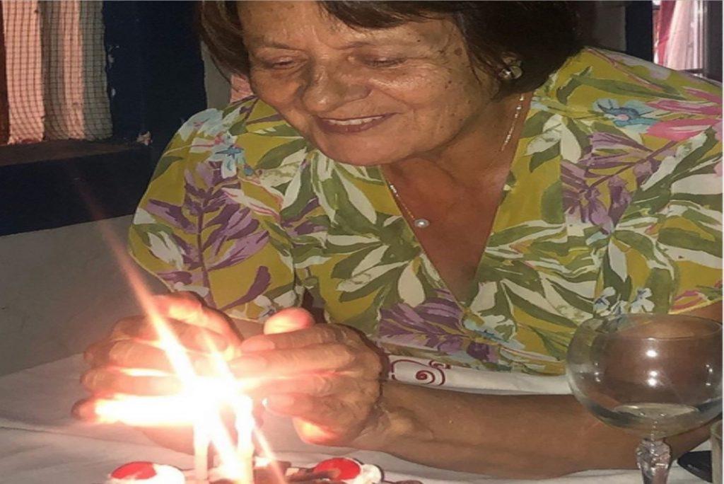 73º aniversário da mãe com foto